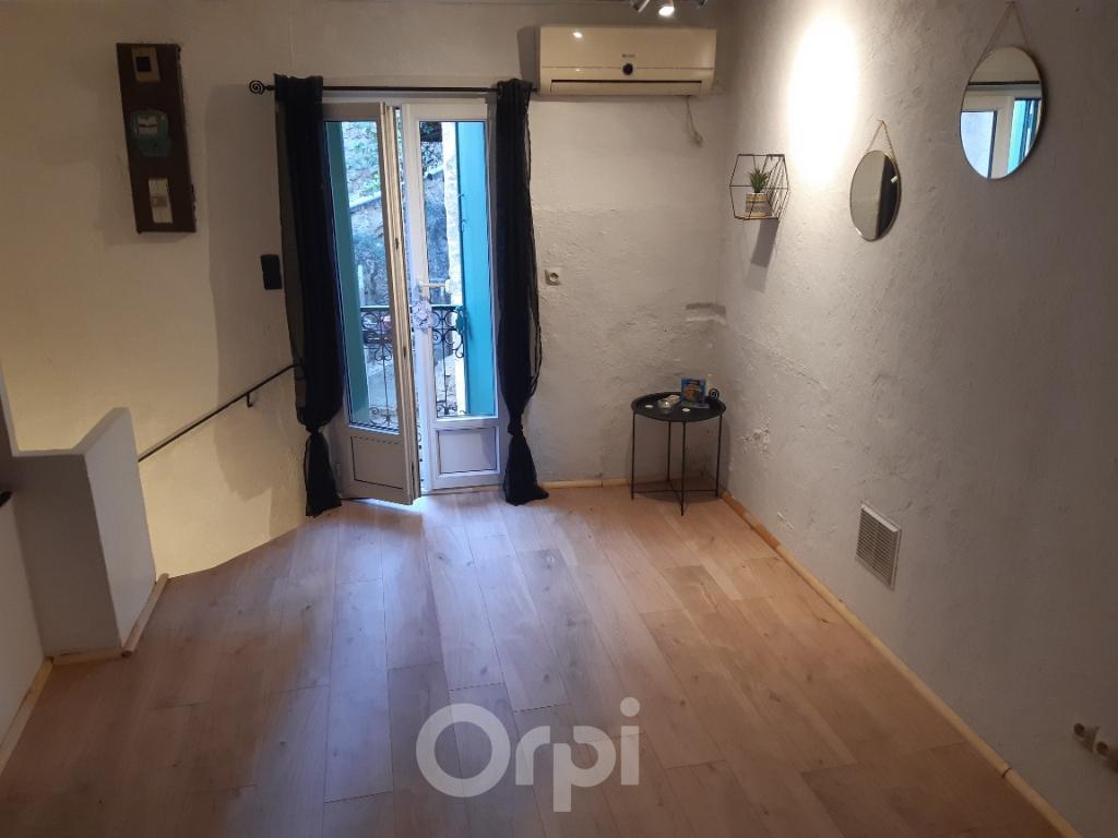 PHOTO1 - Vente à Castelnau-de-guers maison de village .
