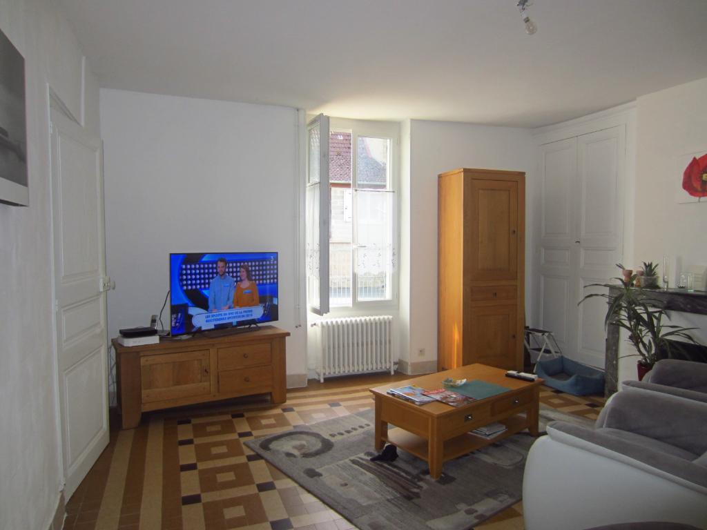 Maison 6 pièces - 3 chambres - LA VERNELLE