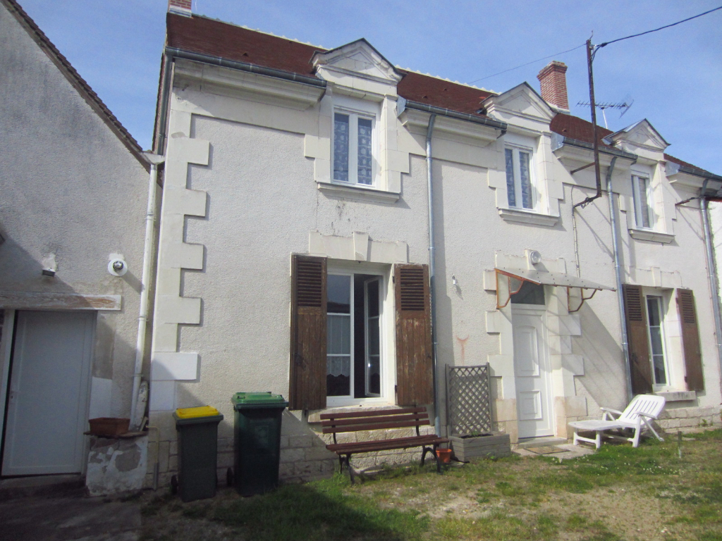 Maison à vendre - Maison dans le centre de la Vernelle.